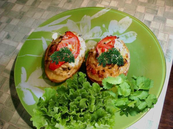 Картофель фаршированный грудинкой рецепт с фото