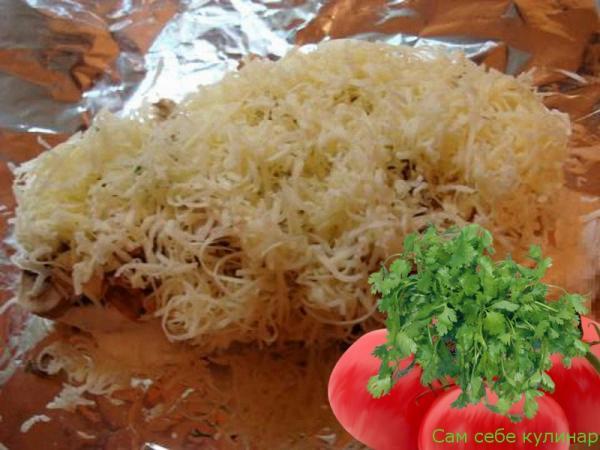 посыпать мясо по французски натертым сыром