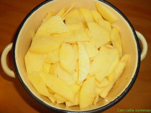 картошка, нарезанная ломтиками