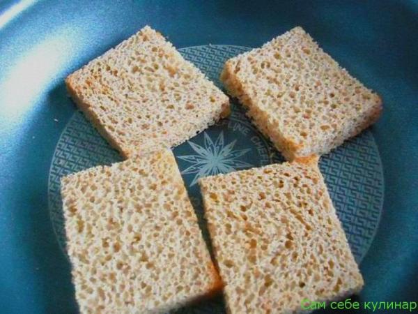 ломтики хлеба обжарить