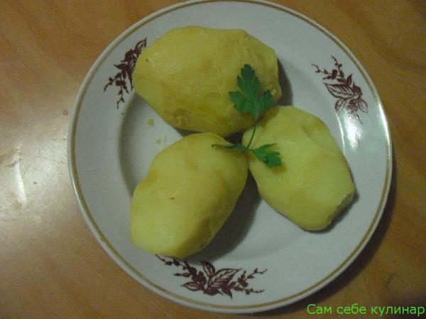 чистим картошку в мундирах