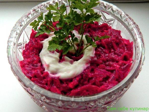 Салат из свеклы с чесноком рецепт с фото пошаговый