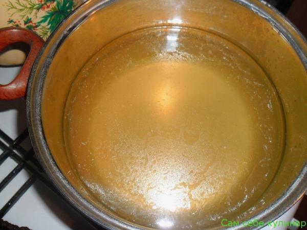 процеженный бульон для капустных щей