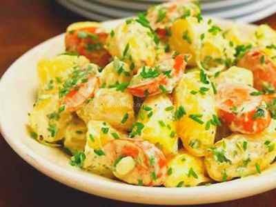 Картофельный салат с сосисками рецепт с фото пошаговый