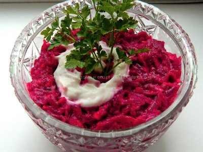 Салат свекольный с чесноком рецепт с фото пошаговый