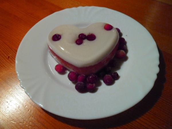 желе разнослойное на тарелке