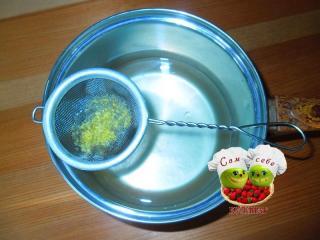 процеженный сок лимона