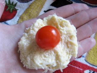 сырные шарики с помидорами черри