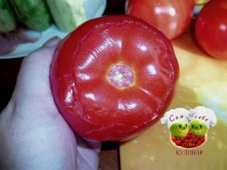 помидор надрезанный по кругу