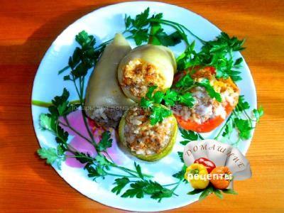 Перцы фаршированные мясом и рисом