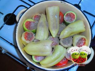 фаршированные овощи перчим и солим