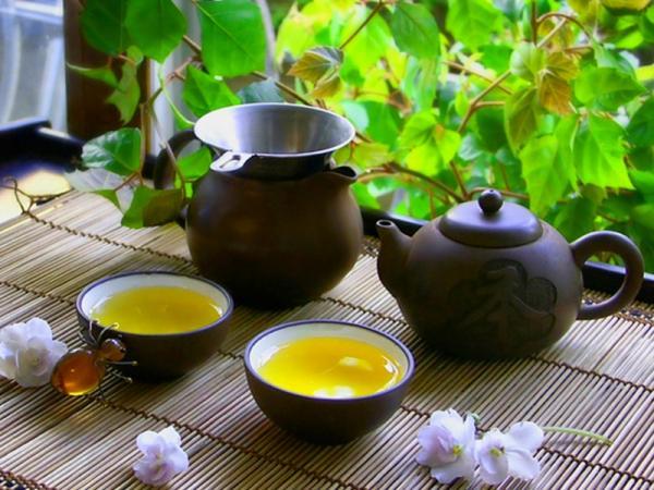 чайная церемония, исинская глина, чашки с чаем