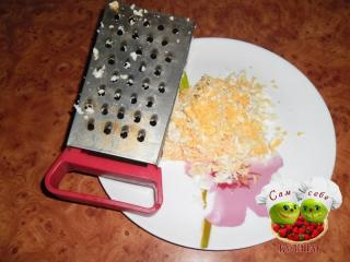 яйца натереть на терке