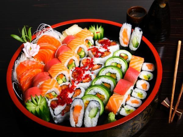 sushi, суши, роллы, японская кухня