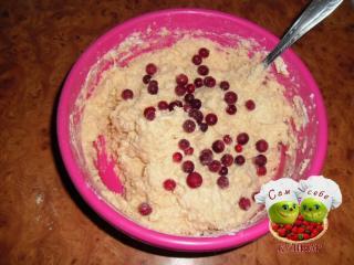 ягоды положить в тесто для кекса
