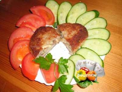 Как приготовить мясные зразы с грибами и сыром рецепт с фото