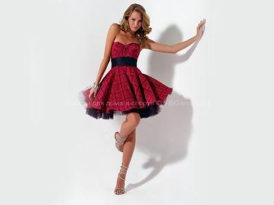 Короткие платья: изящные и воздушные