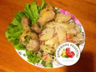 Курица с картошкой в духовке рецепт с фото